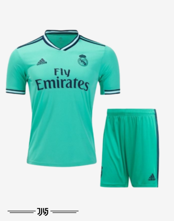 پیراهن و شرت سوم تیم فوتبال رئال مادرید