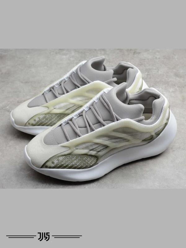 کتونی زنانه Adidas Yeezy 700 V3