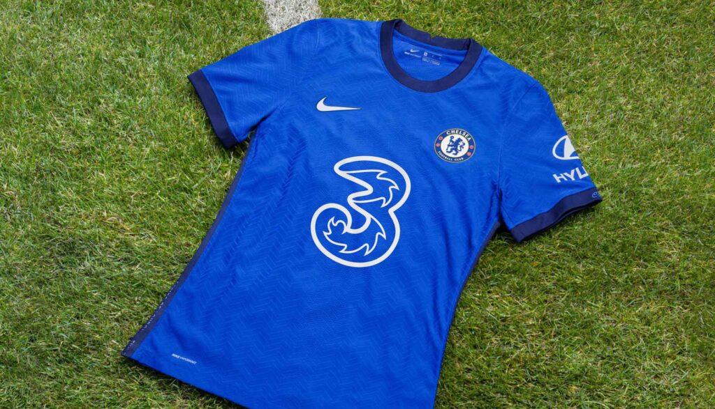 نایک رسما پیراهن اول تیم فوتبال چلسی را در فصل 2021 معرفی کرد
