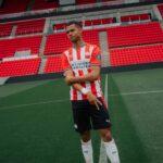 پوما رسما پیراهن اول تیم فوتبال پی اس وی آیندهوون را در فصل 2021 معرفی کرد