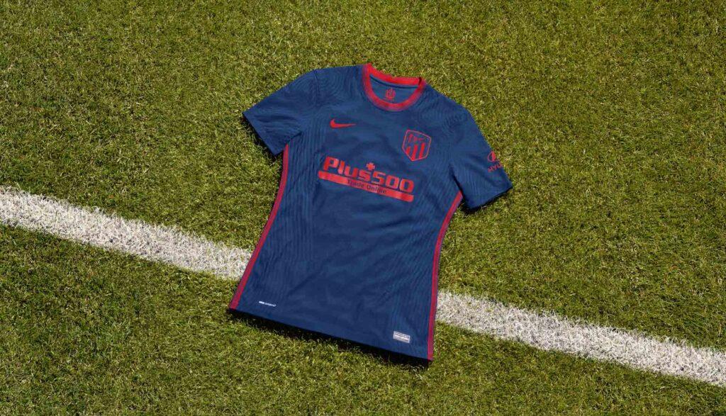 نایک رسما پیراهن دوم تیم فوتبال اتلتیکو مادرید را در فصل 2021 معرفی کرد