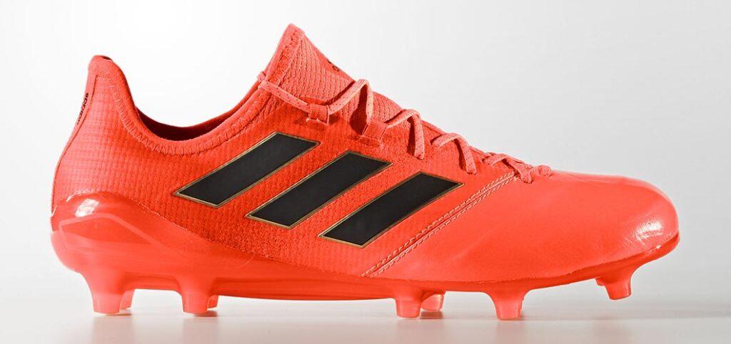 کفش فوتبال آدریان در فصل 2021